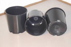 Round Pots - Cone Base - 140mm